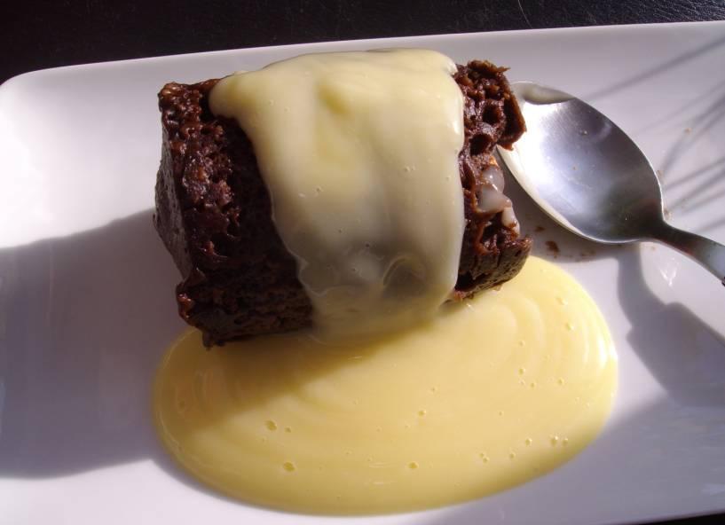 Cake With Chocolate Custard : Instant gratification?.3min chocolate cake in a Mug ...