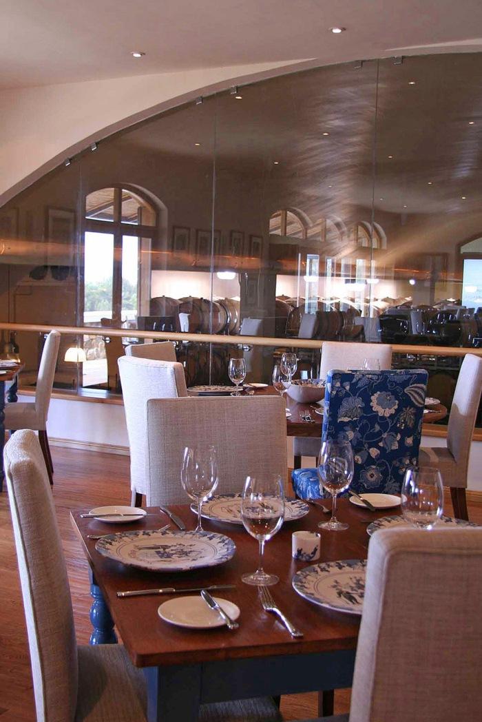 De Grendel Restaurant Decor 2