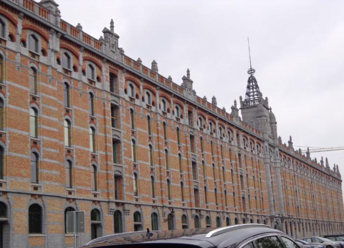exterior of the front Tour et Taxi building