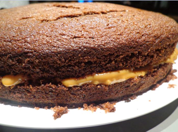 birthday cake caramel sandwich