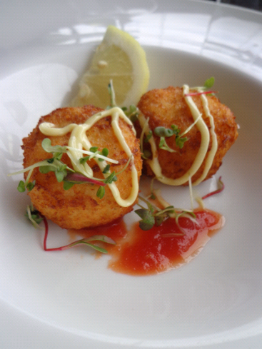 My fish cakes first course...Mmmm