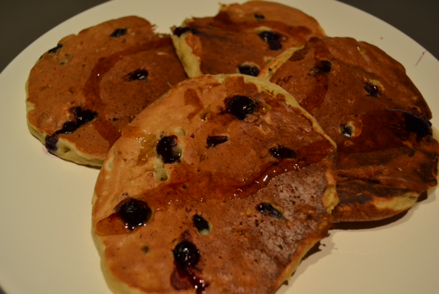 banana blueberry pancakes final 1