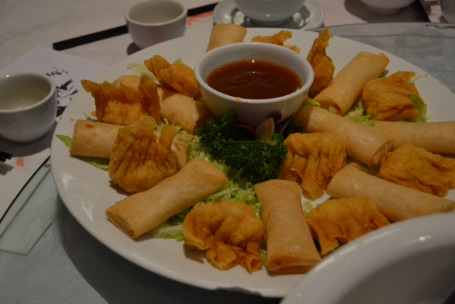 chinese new year spring rolls