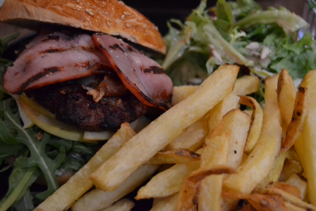 l amour fou bleu burger