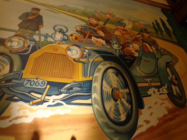 le bugatti mural