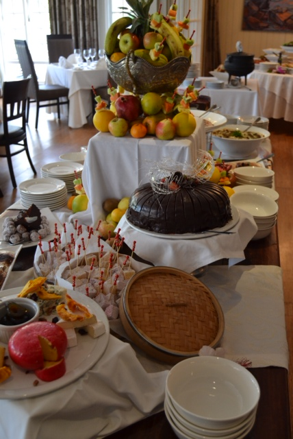 devon dessert table 1