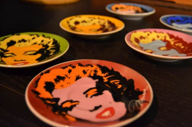 how I adore these Marilyn saucers....